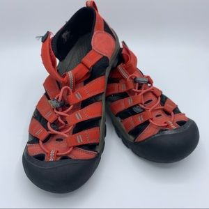 KEEN Red Contour Arch Sport Sandals Size 6 Slip on